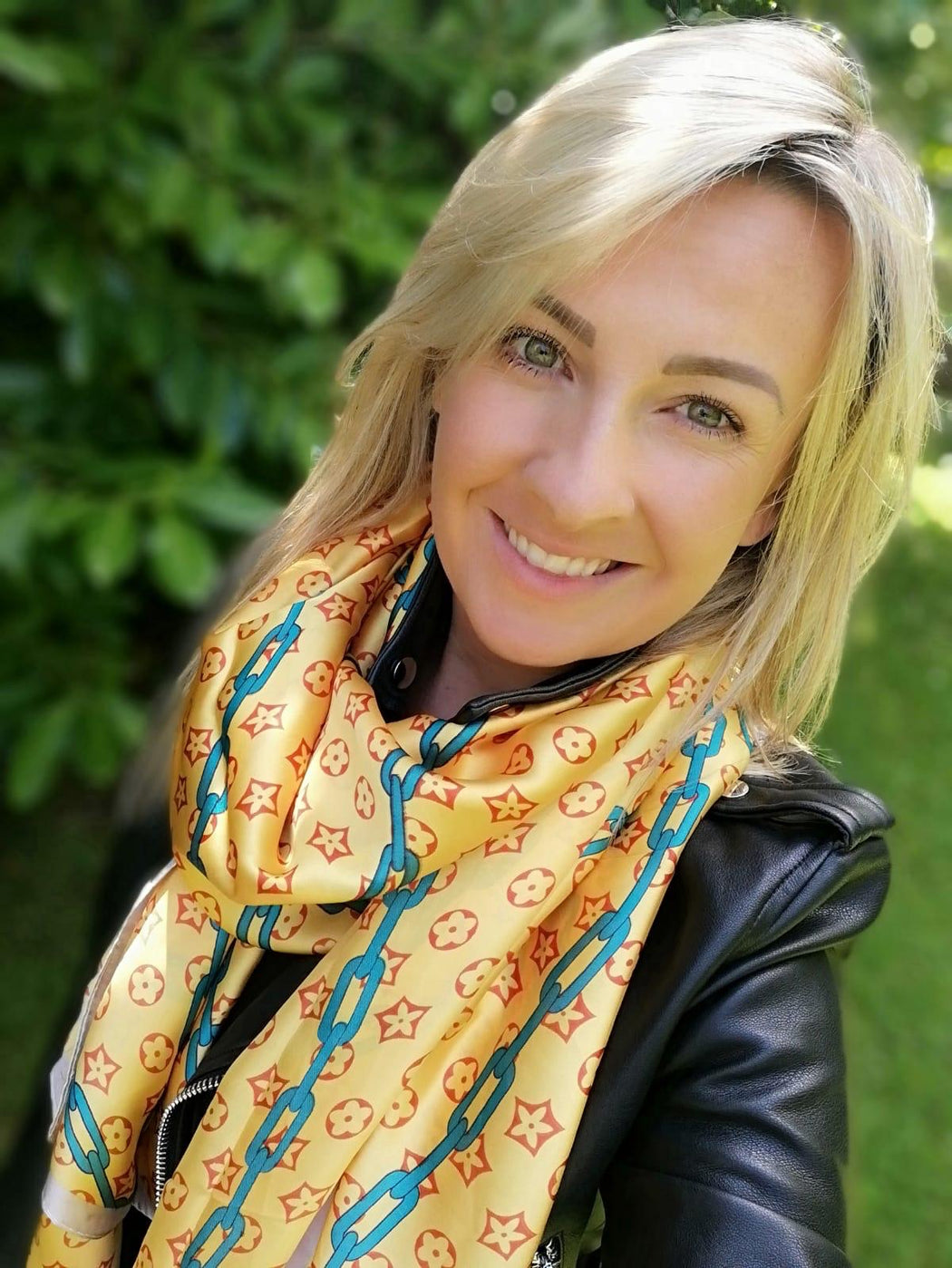 Josie yellow chain scarf