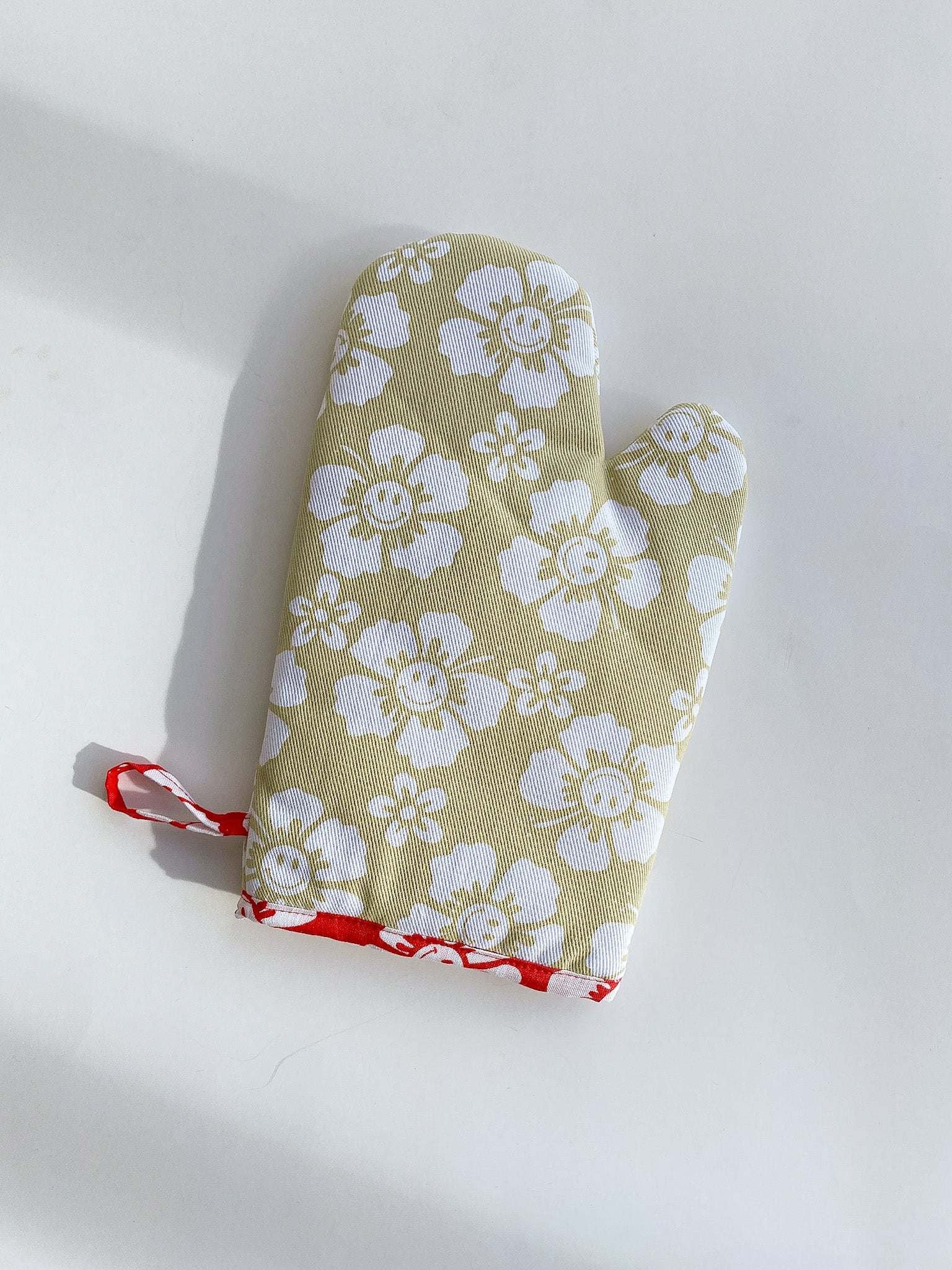 Holiday Oven Mitt -  Cream Happy Hawaii
