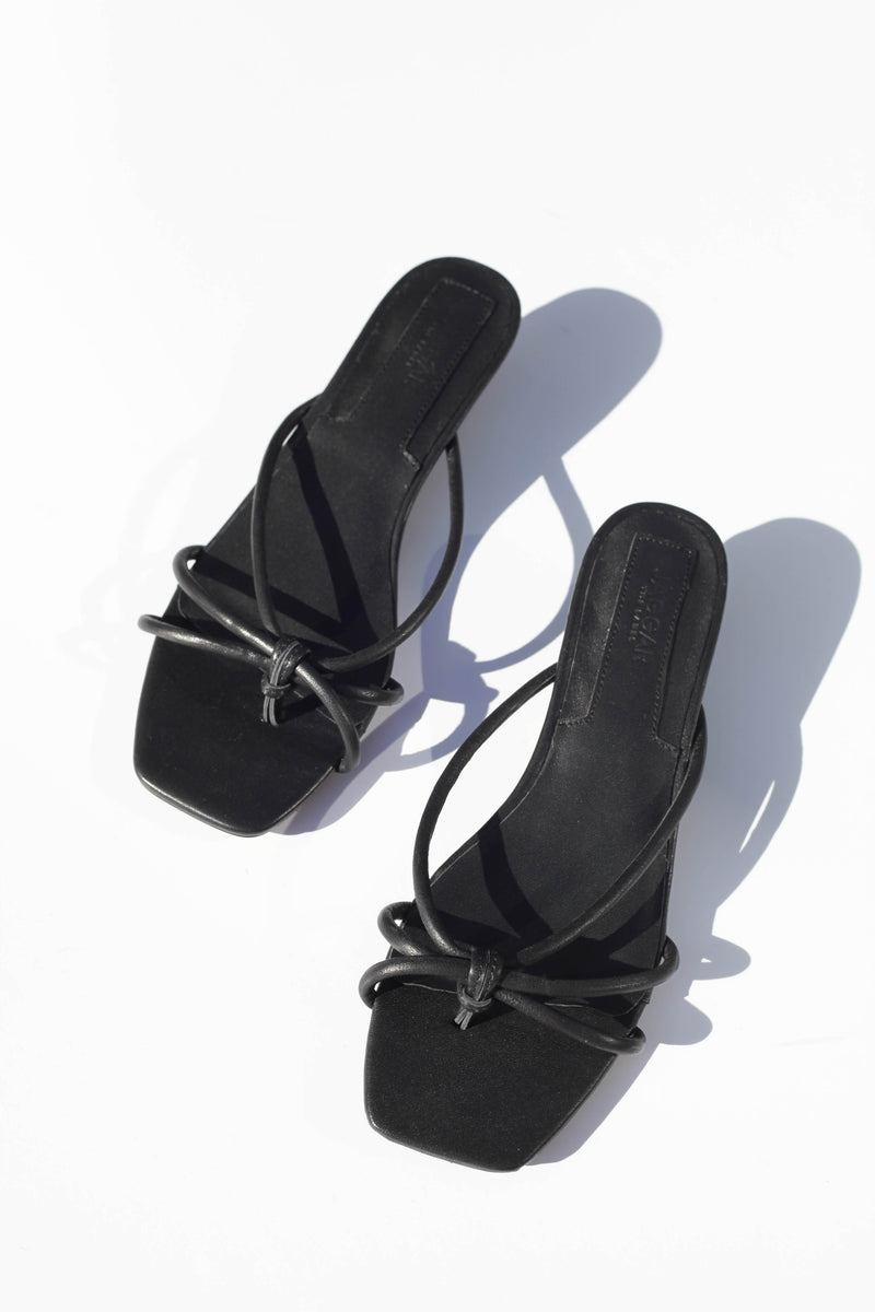 Loop Kitten Heel - Black