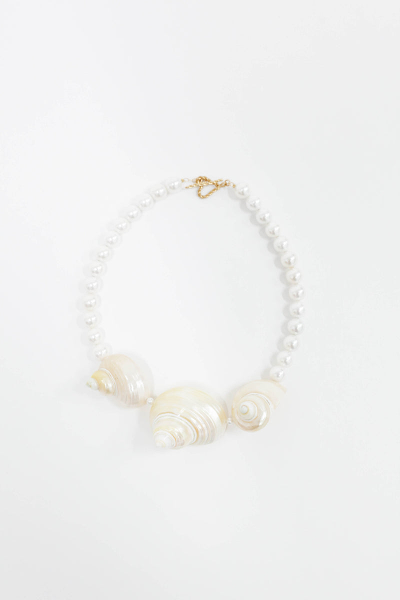 Shell Necklace - Pearls/Shell