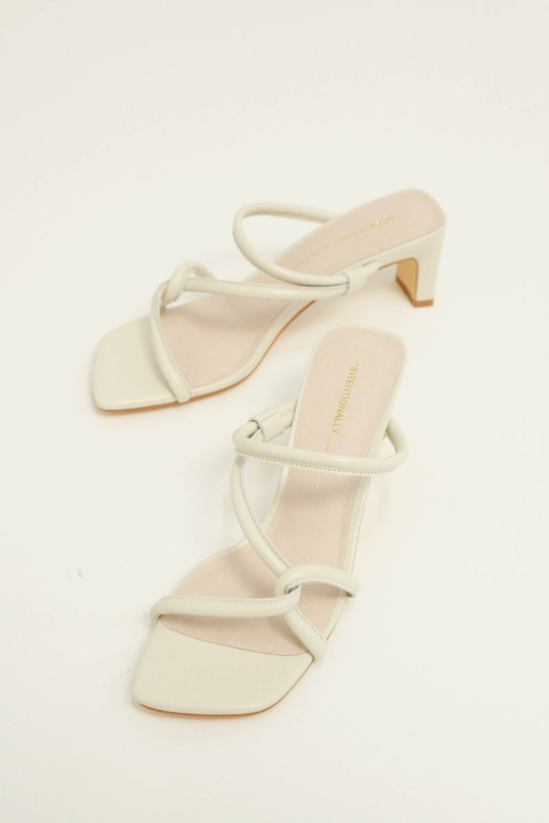 Willow Sandal - Bone