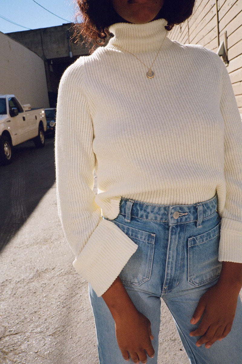 Intro Mock Neck Cropped Jumper - Ivory