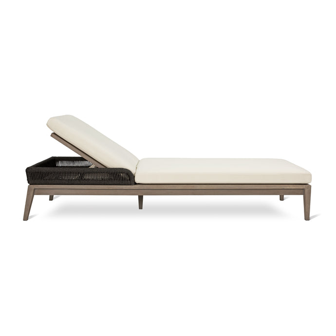 DAVES CHAISE