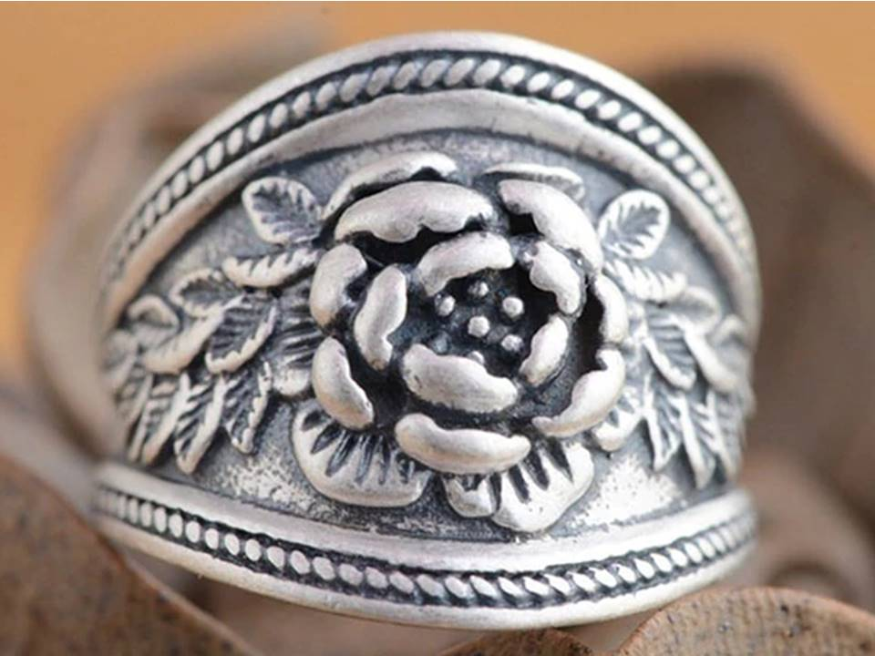 Cigar Band Style Floral Silver Ring | Size 7 - Lunga Vita Designs