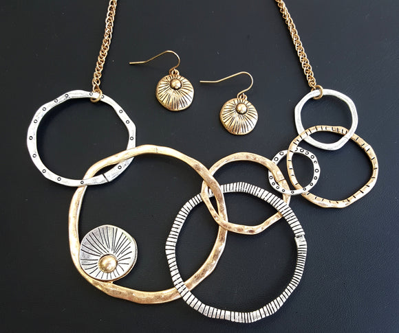 CIRCLE MIX STATEMENT NECKLACE SET