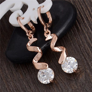 ROSE GOLD SQUIGGLE LEVERBACK EARRINGS WITH CLEAR CZ