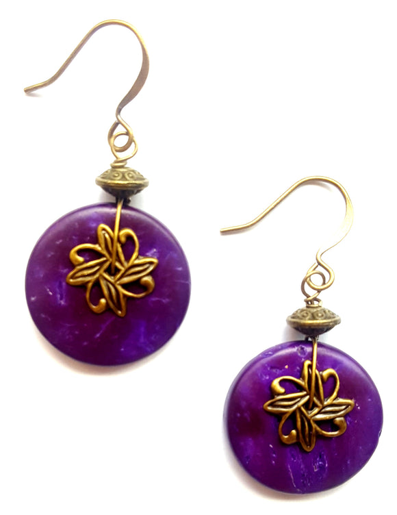 WOOD EARRINGS WITH AGED BRASS FILIGREE | PURPLE