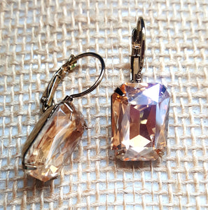 FACETED RECTANGLE CRYSTAL LEVERBACK EARRINGS - TOPAZ