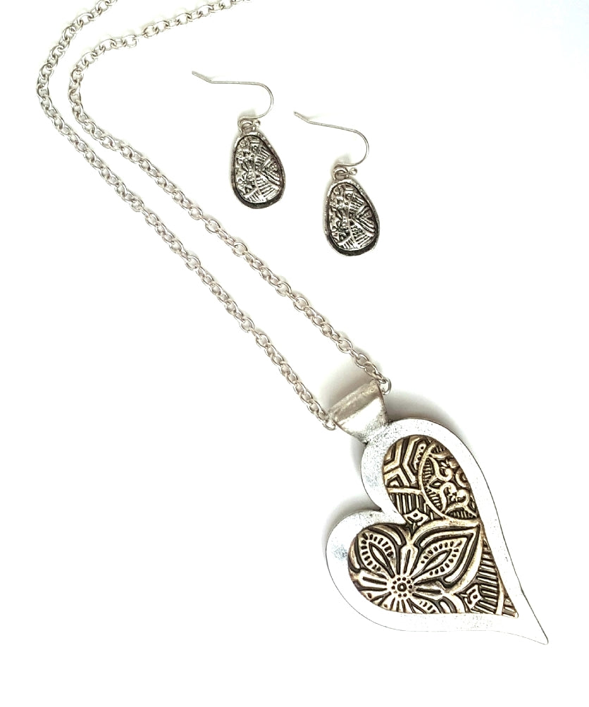 Embossed Two-Tone Heart Necklace and Earrings Set - Lunga Vita Designs