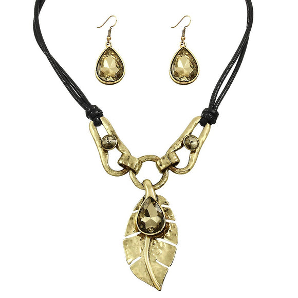 CHUNKY LEAF NECKLACE & EARRING SET - GOLD