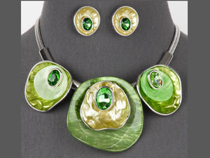RESIN HAMMERED CIRCLE NECKLACE SET |  FRESH GREEN