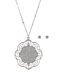 LONG TEXTURED PENDANT NECKLACE SET | SILVER TONE