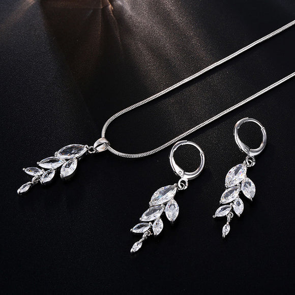 CRYSTAL LEAF NECKLACE SET