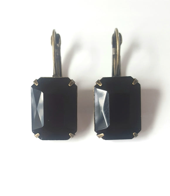 FACETED RECTANGLE CRYSTAL LEVERBACK EARRINGS - BLACK