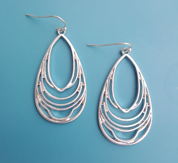 LAYERED TEARDROP DANGLE EARRINGS