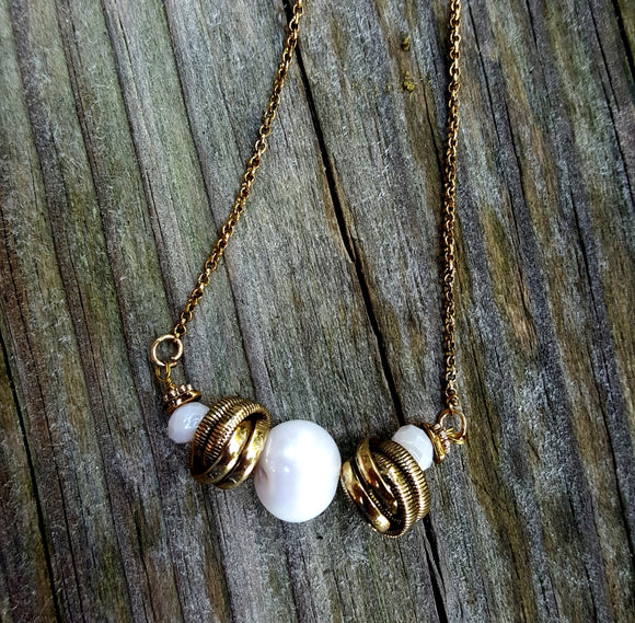 Pearl and  Gold Knots Necklace - Lunga Vita Designs