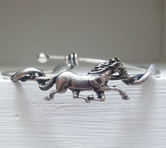 Equestrian Bangle | Worn Silver