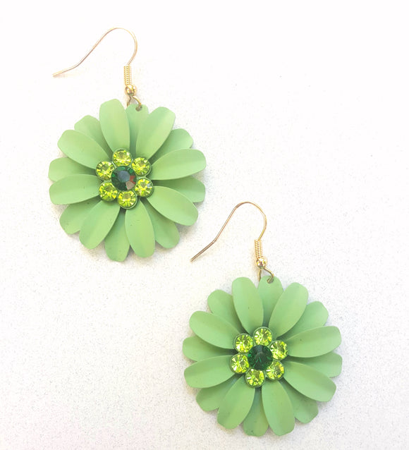 FLOWER DANGLES | PISTACHIO
