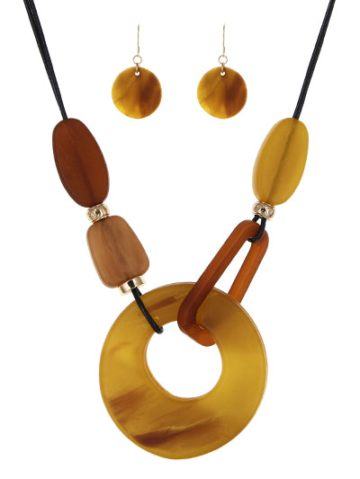 BROWN AND MUSTARD LUCITE NECKLACE SET