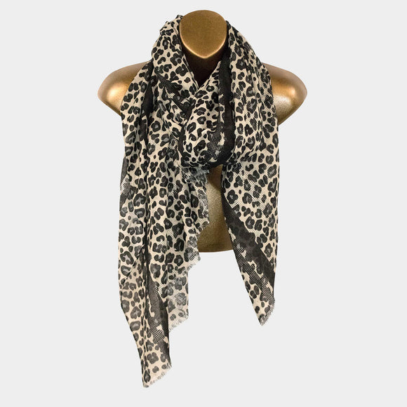 LEOPARD PATTERNED SCARF | BLACK