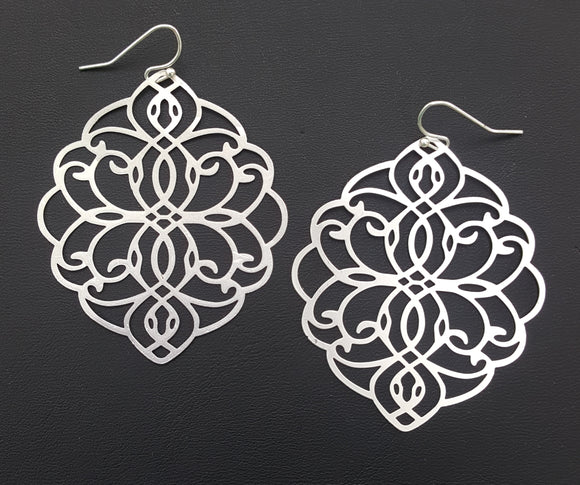 LARGE CUT-OUT EARRINGS | SILVER
