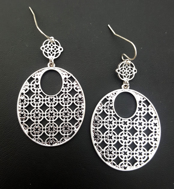 OVAL TEXTURED EARRINGS | SILVER