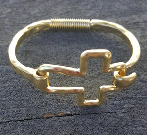 Cross Cuff | Gold