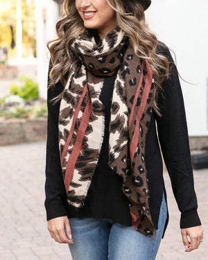 (**new item**) Border Print Scarf in Mixed Leopard