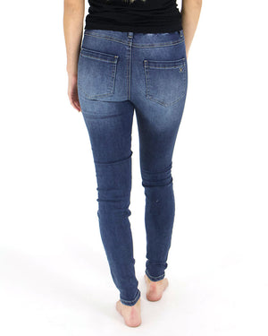 (**new item**) Favorite Fit Mid-Rise Jegging by Grace and Lace