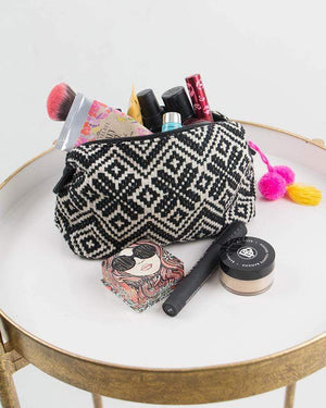 (**new item**) Makeup Bag Black/White / One Size