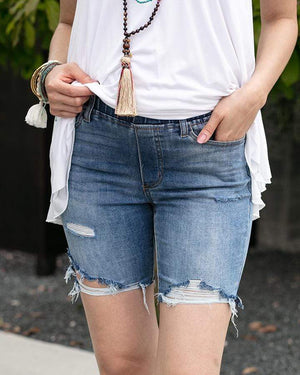 "Classic Mid-Rise Pull On Shorts - 7"" inseam / Mid Wash / Extra Small"
