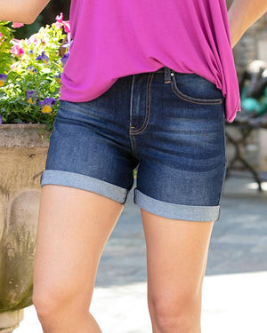 "(**final sale**) Mid-Rise Super Stretch Shorts in 5"" inseam Dark Wash / XS"