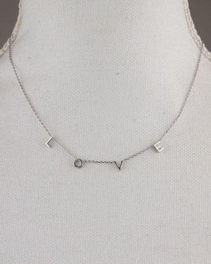 (**new item**) Silver Block L-O-V-E Necklace
