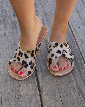 (**new item**) Criss Cross Summer Slides Leopard Cowhide (Will Ship Late April) / Size 6