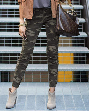 Camo Mid-Rise Zip Up Jeggings -