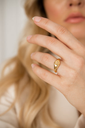 Lux Signet Ring