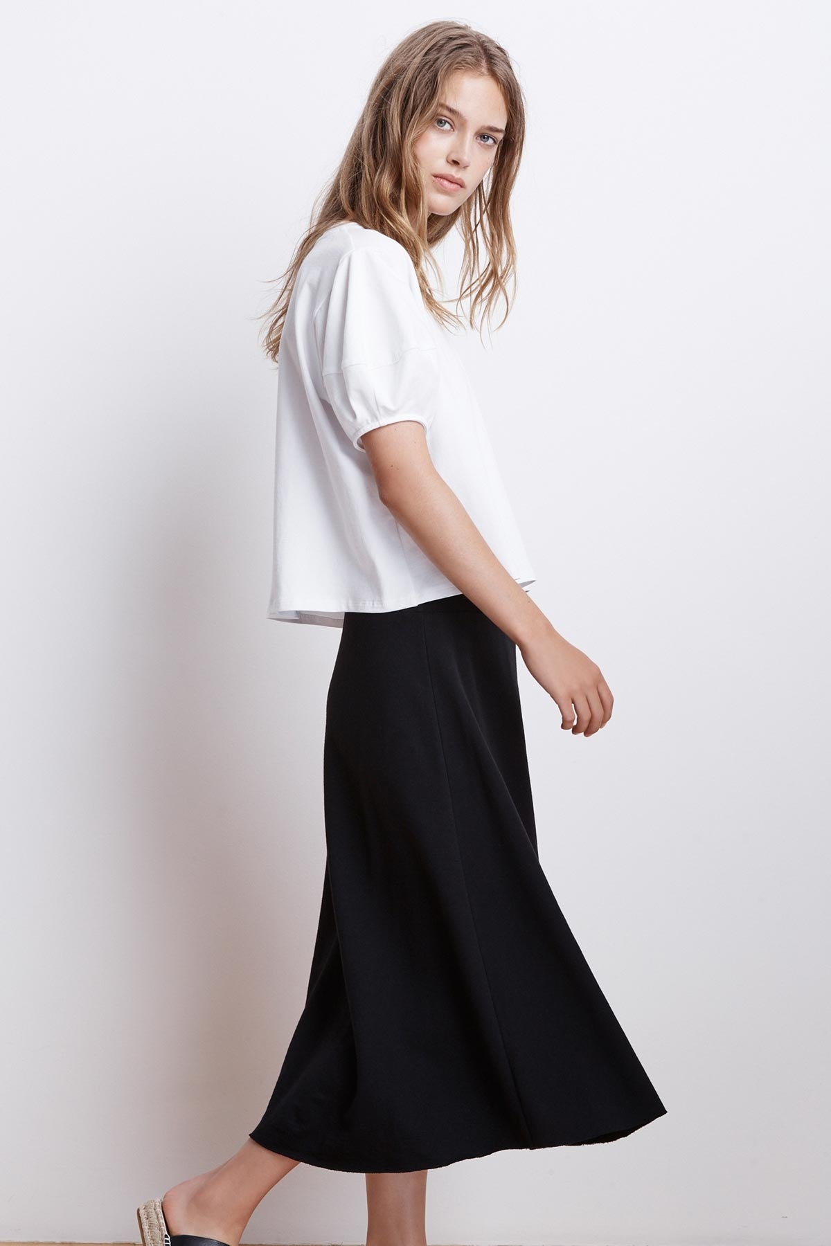 FIJI TERRY MIDI SKIRT