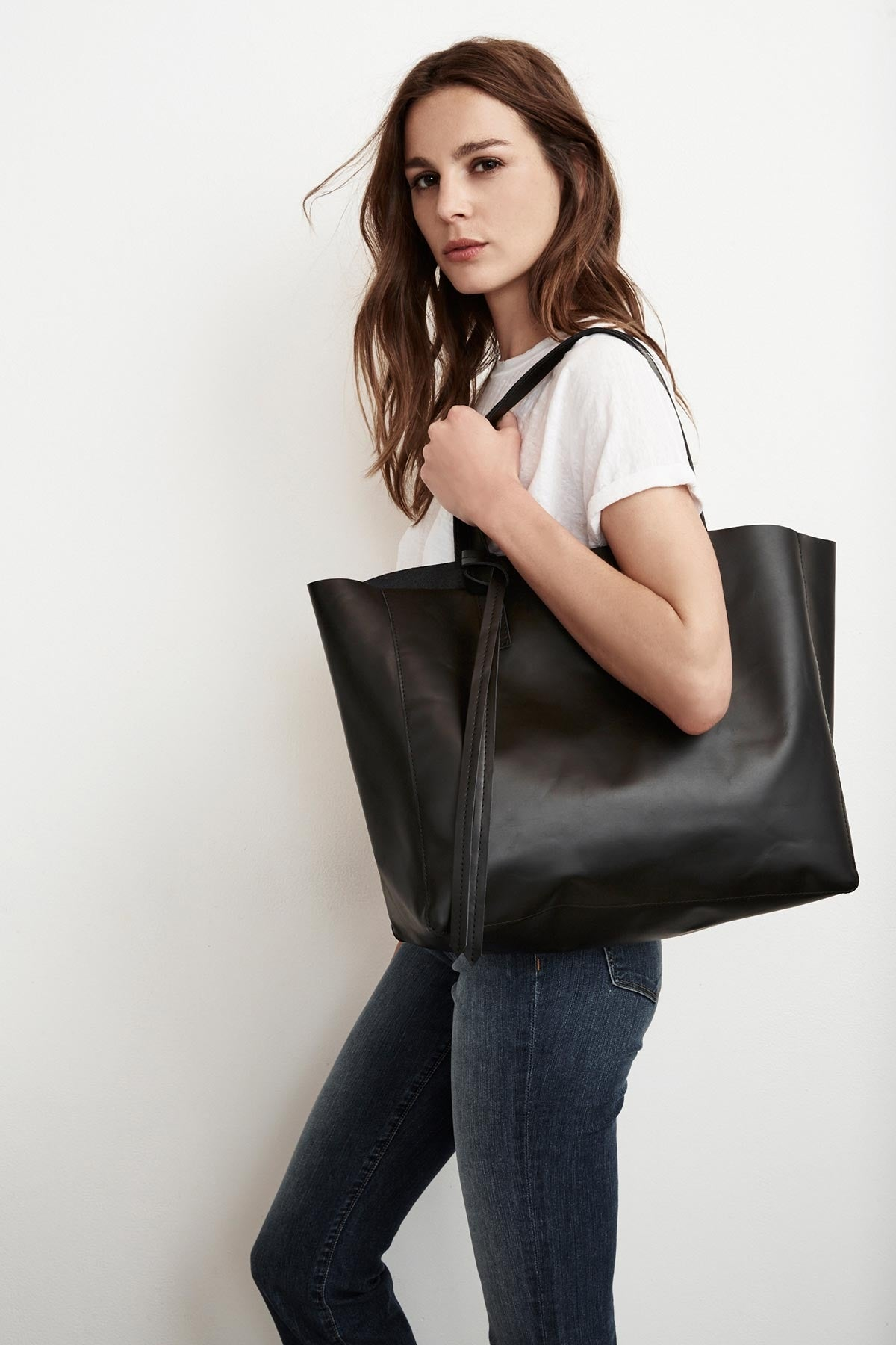 ATLANTIS LEATHER TOTE BAG