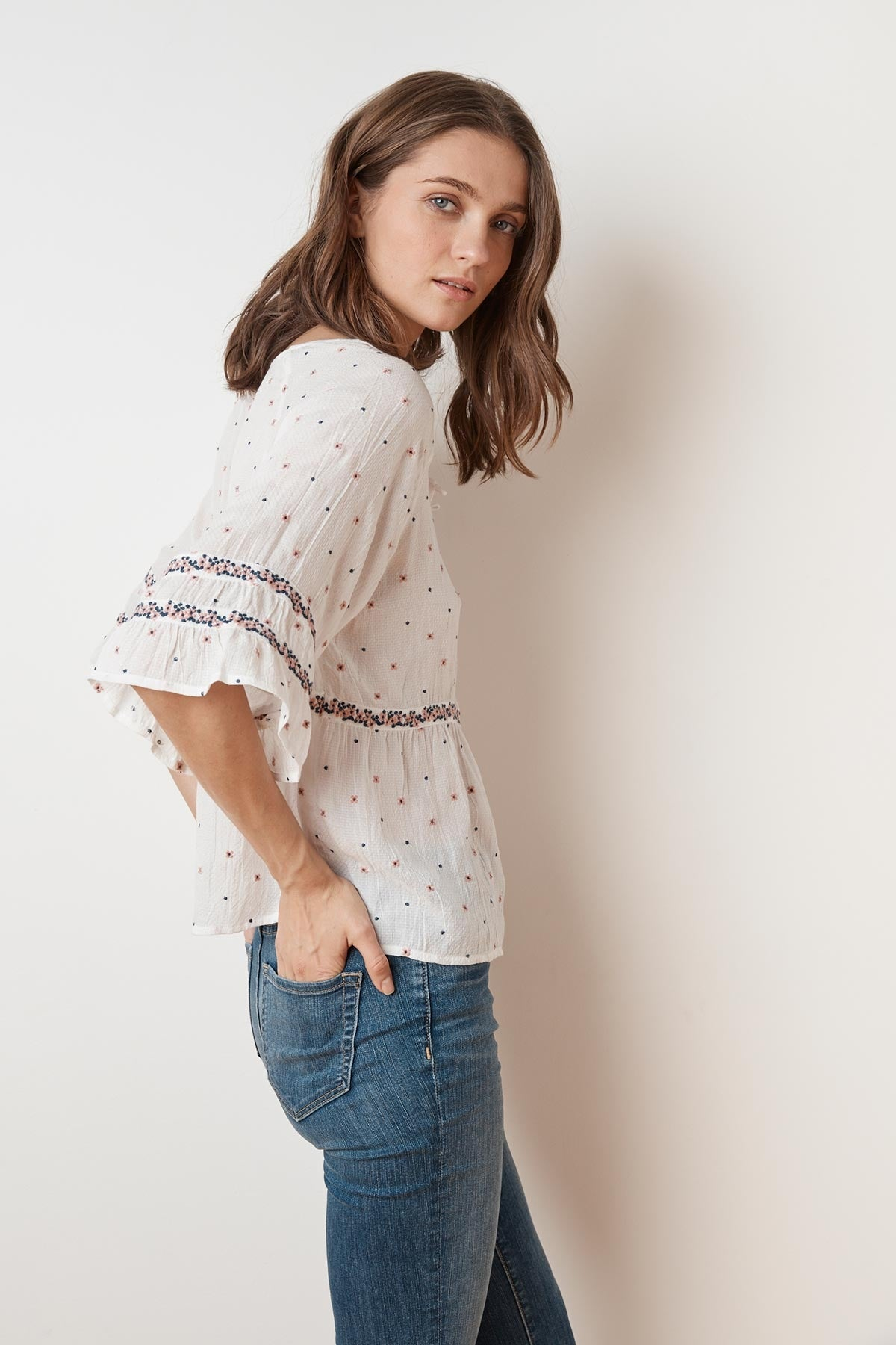 LINNEA FLORAL EMBROIDERED BUTTON BLOUSE