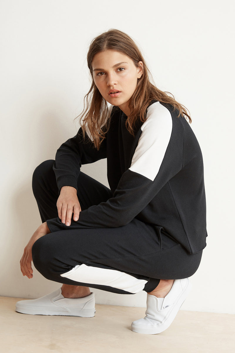 BRYN LUXE FLEECE COLORBLOCK PULLOVER WITH SANDY JOGGER