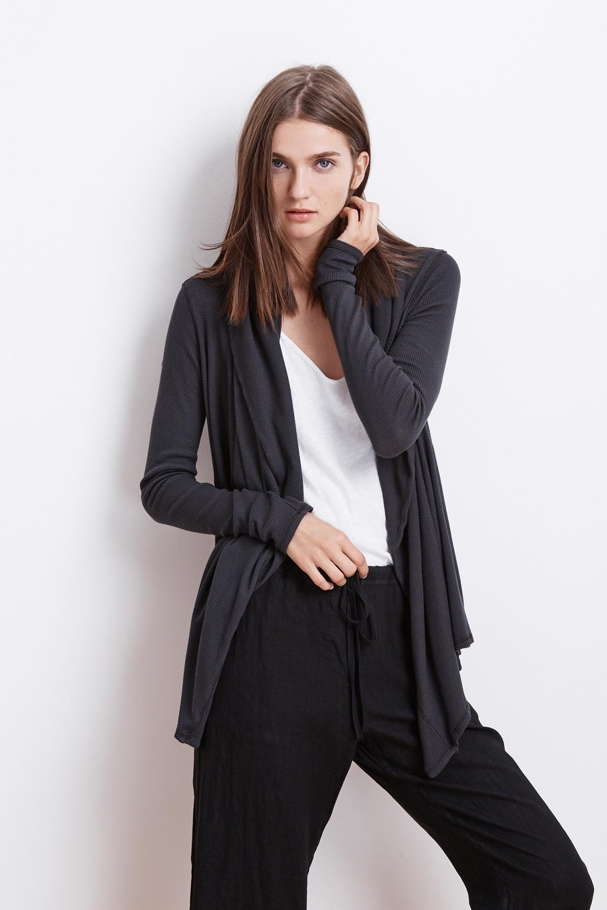 a ideas drape how to outfit blanketcardigan winter front drapes black cardigan wear