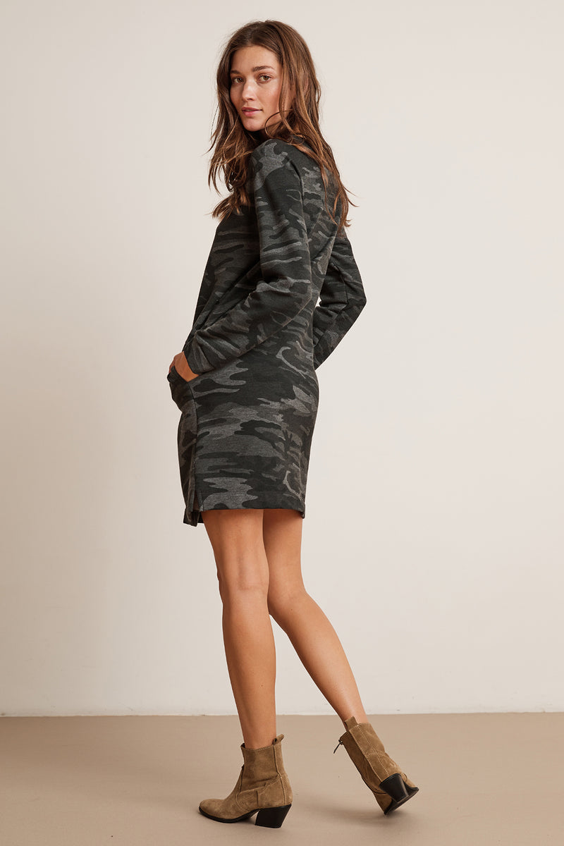 BETSY CAMO FLEECE LONG SLEEVE CREW NECK DRESS