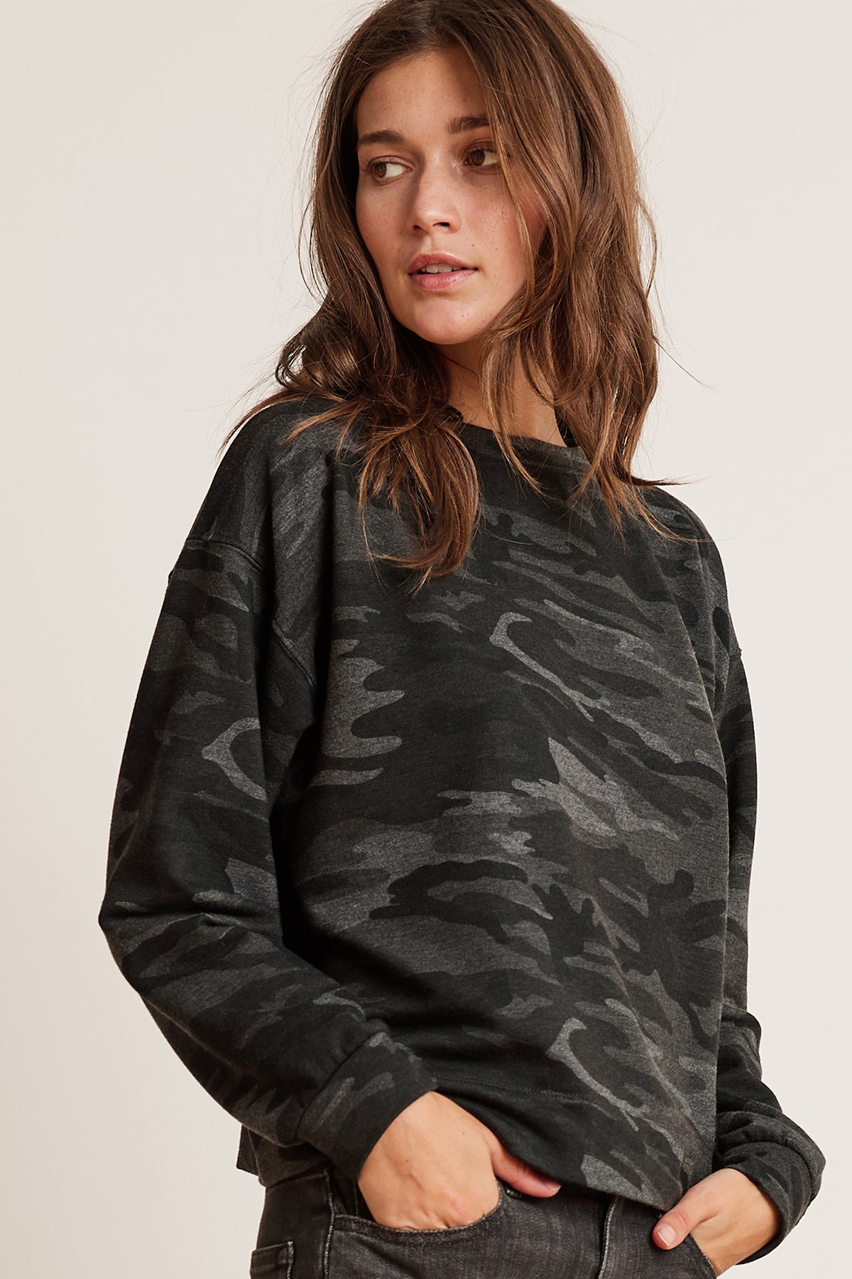 MAXINE CAMO FLEECE CREW NECK SWEATSHIRT
