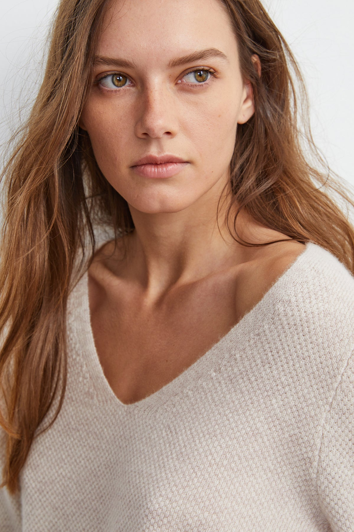 YELENE CASHMERE V-NECK SWEATER