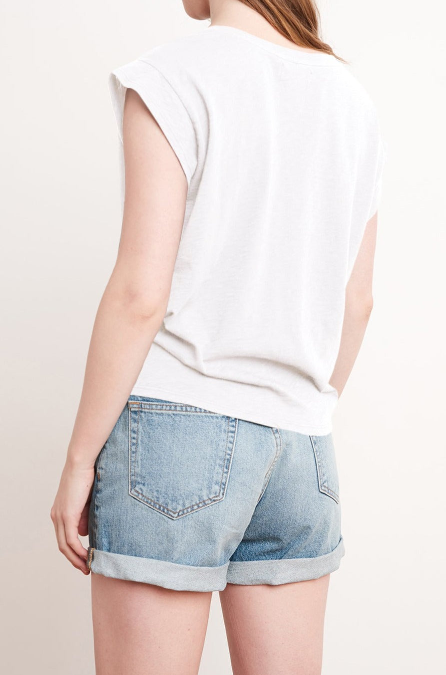 ANN KNOT FRONT TEE