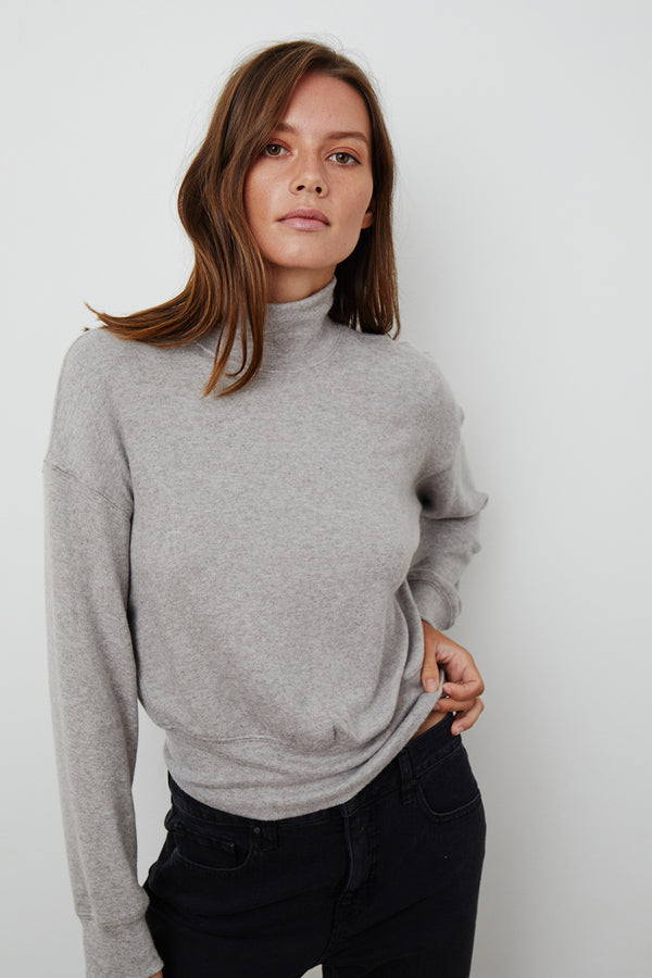 TAMI MOCK NECK TOP