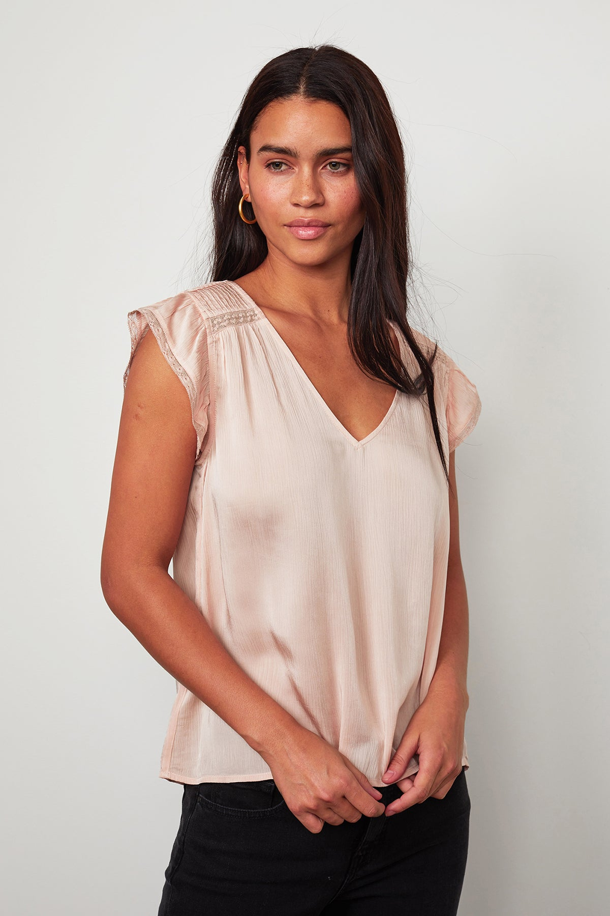 ISABELLE V-NECK BLOUSE
