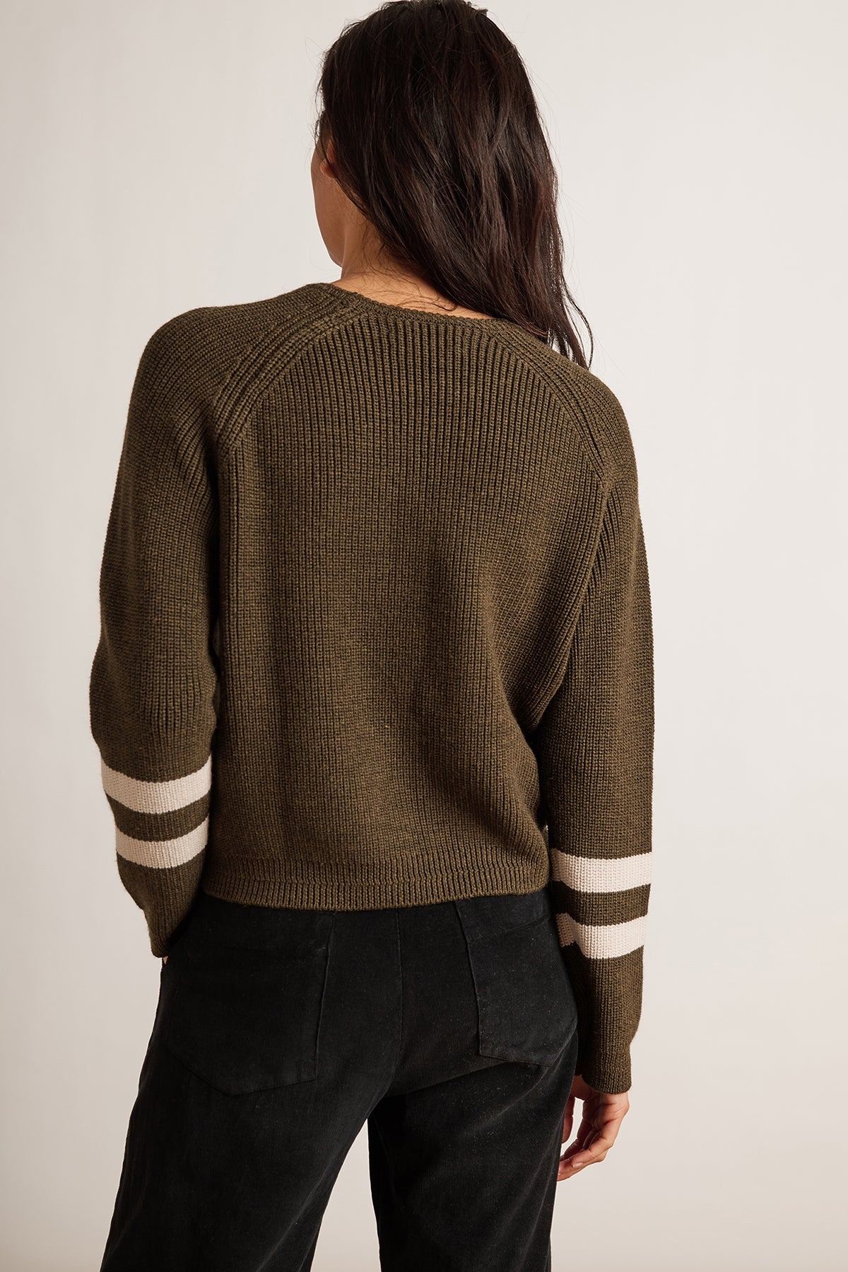 CHASEN ENGINEERED STITCHES RAGLAN SWEATER