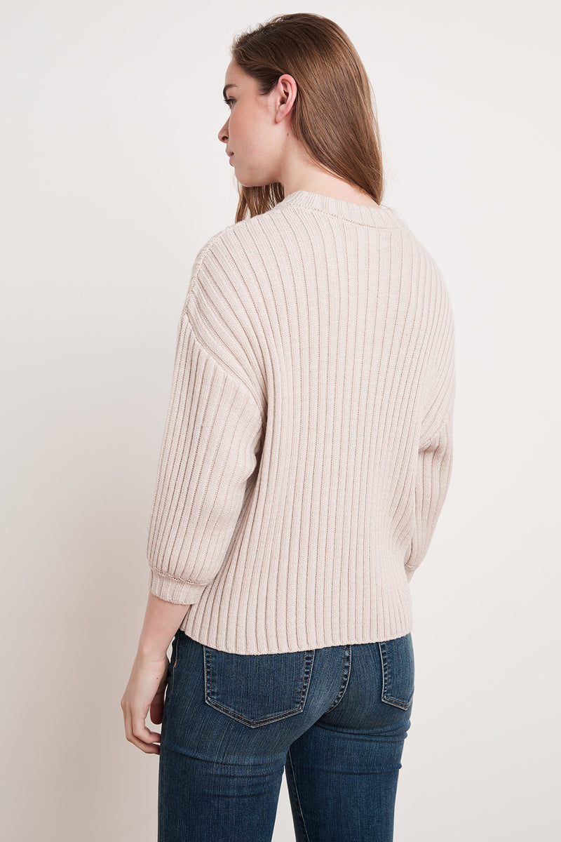 KYANA ENGINEERED STITCHES CREW NECK SWEATER