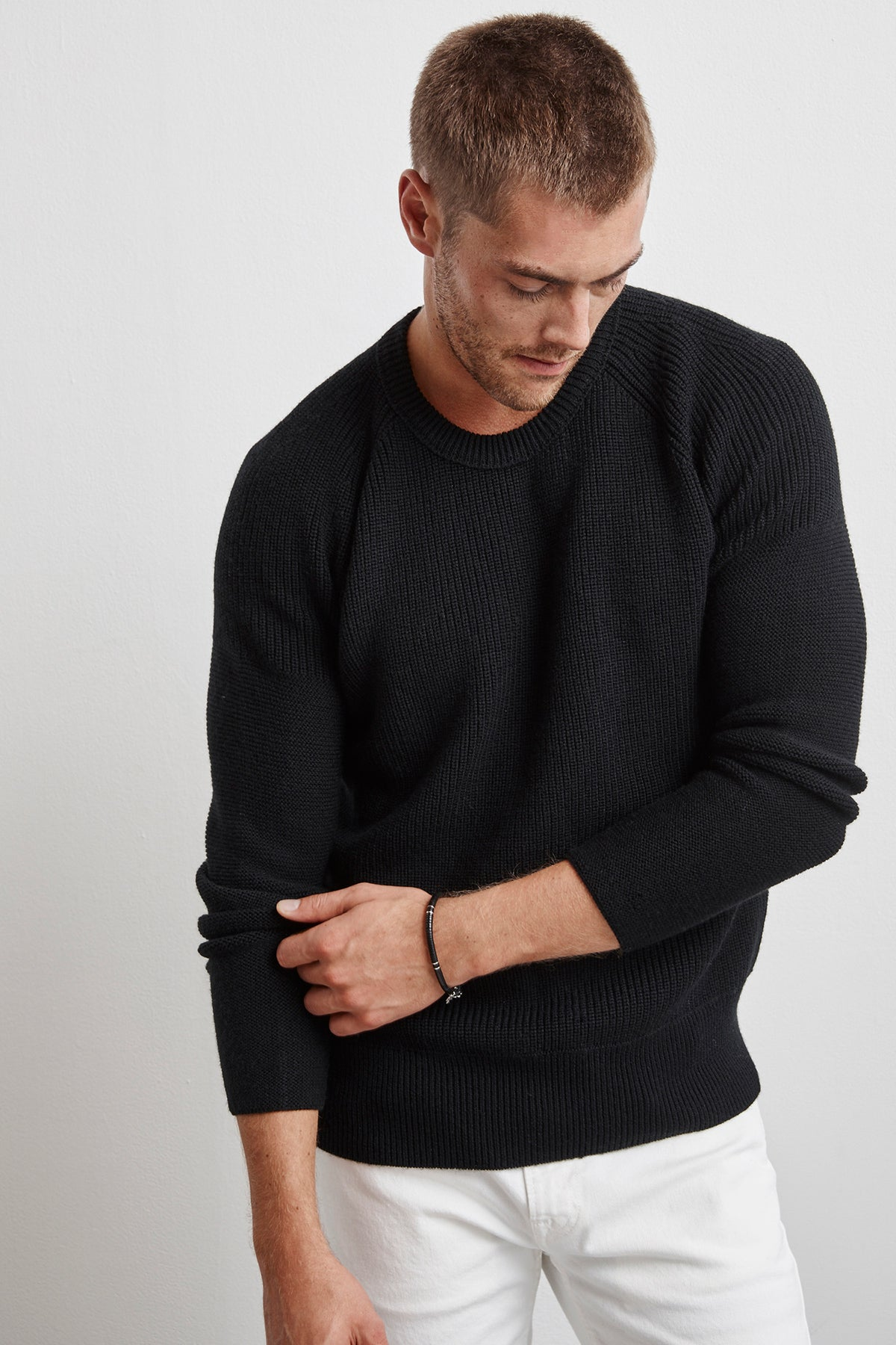 ELVIN ENGINEERED STITCHES RAGLAN SWEATER